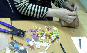 Курсы по витражам и занятия по мозаике