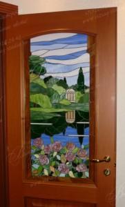 Витраж Тиффани в межкомнатной двери