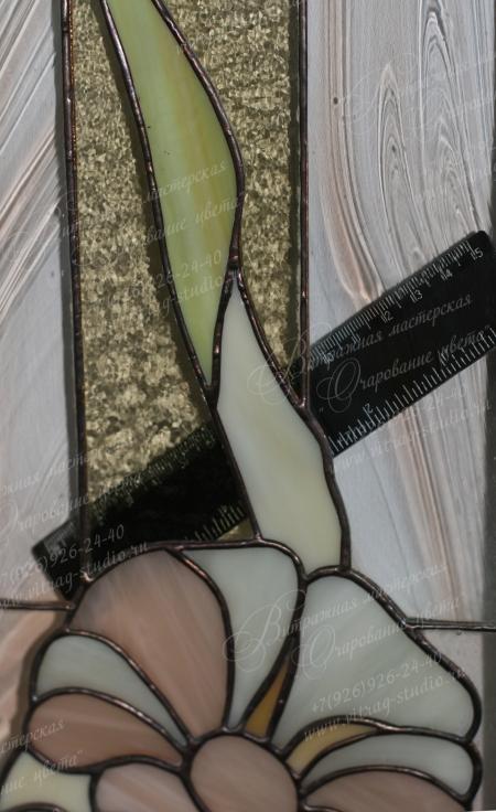Оконный витраж Тиффани, использованы прозрачные фактурные и глухие стекла